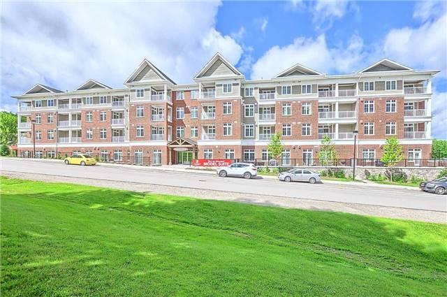 Condo Apartment at 40 Horseshoe Blvd, Unit 409, Oro-Medonte, Ontario. Image 1
