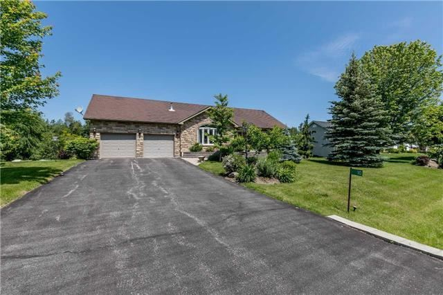 Detached at 10 Boyd Cres, Oro-Medonte, Ontario. Image 12