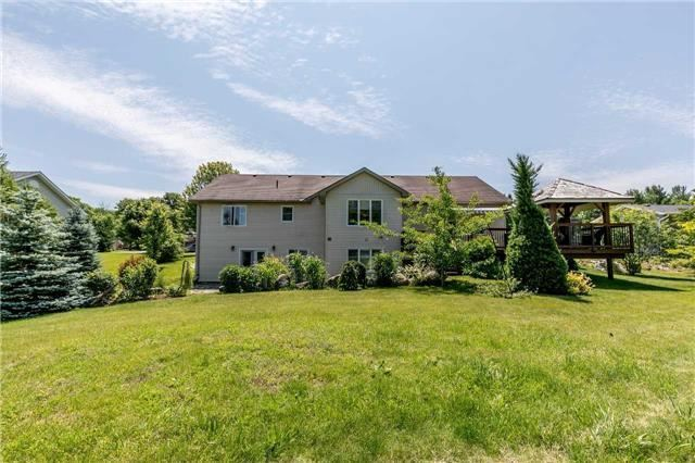 Detached at 10 Boyd Cres, Oro-Medonte, Ontario. Image 9