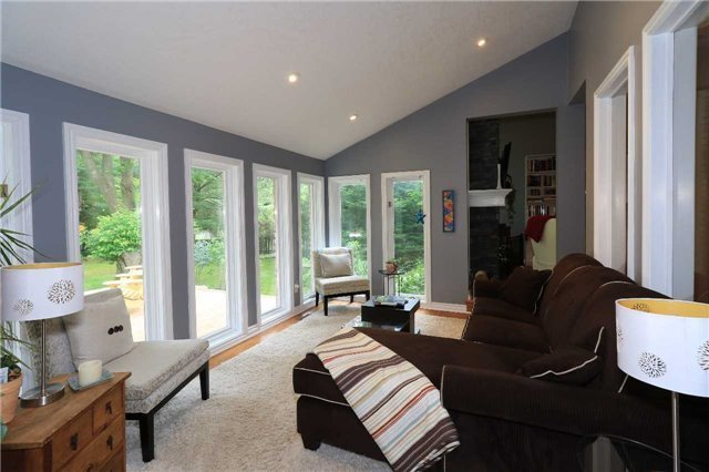 Detached at 39 Jodie's Lane, Springwater, Ontario. Image 4