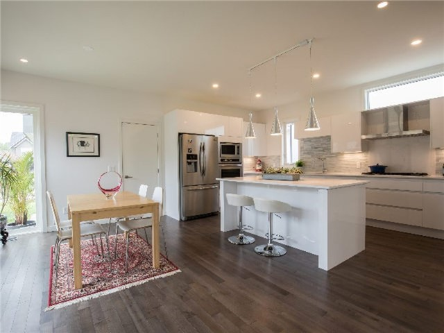 Detached at 126 Stanley St, Collingwood, Ontario. Image 13