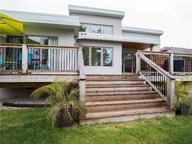 Detached at 126 Stanley St, Collingwood, Ontario. Image 7