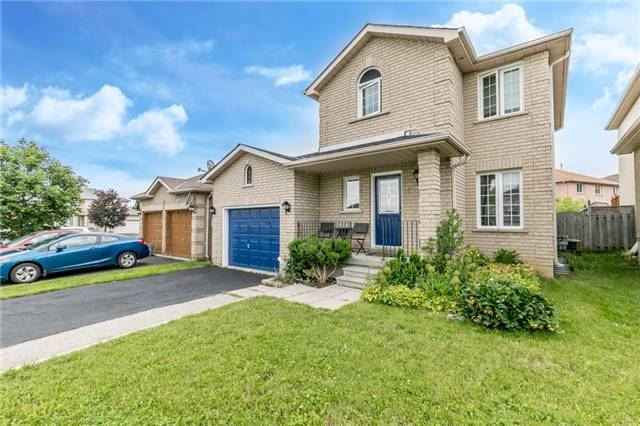 Detached at 4 Shaina Crt, Barrie, Ontario. Image 6