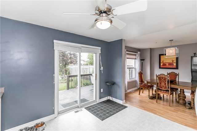 Detached at 4 Shaina Crt, Barrie, Ontario. Image 12