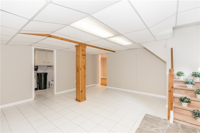 Detached at 15 Sunnidale Rd, Barrie, Ontario. Image 19