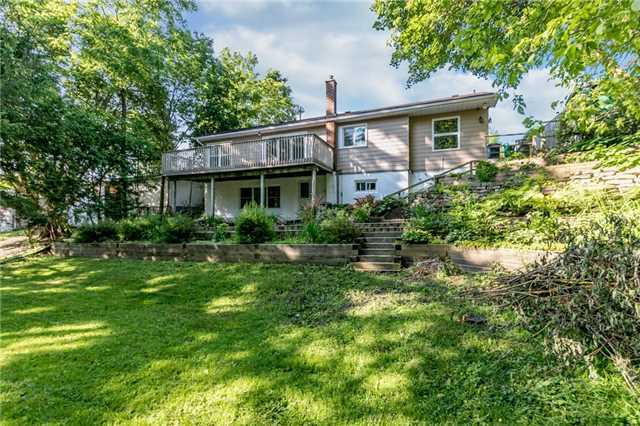 Detached at 15 Sunnidale Rd, Barrie, Ontario. Image 7