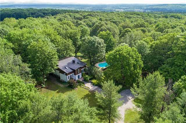 Detached at 6157 9 Line N, Oro-Medonte, Ontario. Image 1