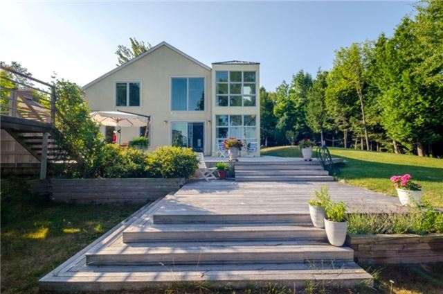 Rural Residence at 33 Seneca Cres, Tiny, Ontario. Image 1