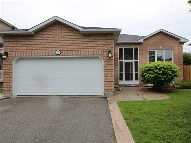 Detached at 24 Emms Dr, Barrie, Ontario. Image 1