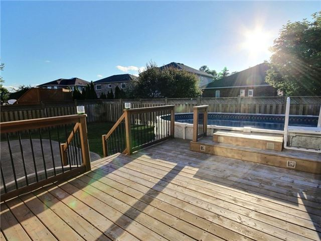 Detached at 24 Emms Dr, Barrie, Ontario. Image 11
