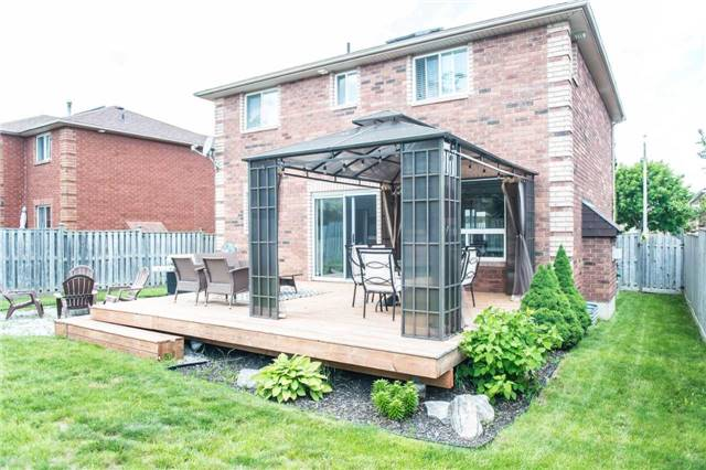 Detached at 145 Wessenger Dr, Barrie, Ontario. Image 8