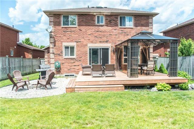 Detached at 145 Wessenger Dr, Barrie, Ontario. Image 13