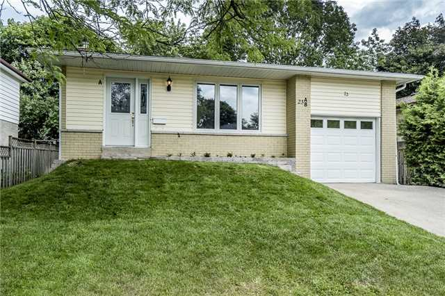 Detached at 23 Glenecho Dr, Barrie, Ontario. Image 1