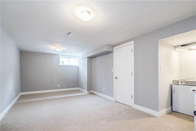 Detached at 23 Glenecho Dr, Barrie, Ontario. Image 11