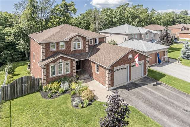 Detached at 32 Holly Meadow Rd, Barrie, Ontario. Image 1