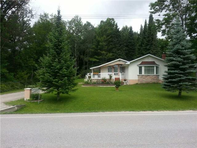 Detached at 2104 North Orr Lake Rd, Springwater, Ontario. Image 1