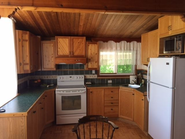 Detached at 2104 North Orr Lake Rd, Springwater, Ontario. Image 11