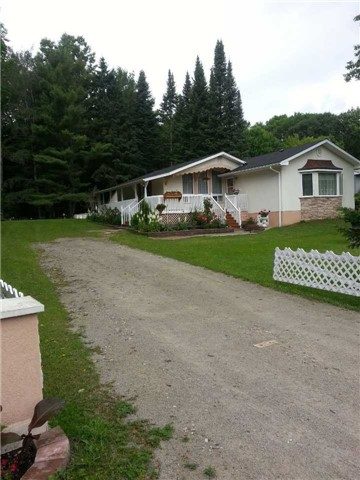 Detached at 2104 North Orr Lake Rd, Springwater, Ontario. Image 6