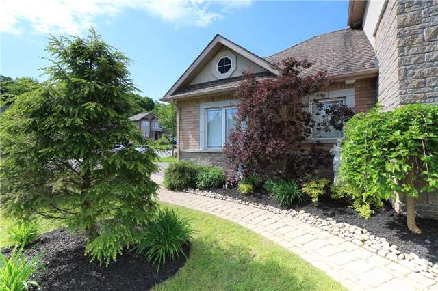 Detached at 2 Stapleton Pl, Barrie, Ontario. Image 12