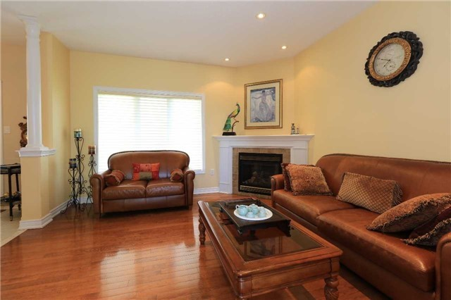 Detached at 2 Stapleton Pl, Barrie, Ontario. Image 20