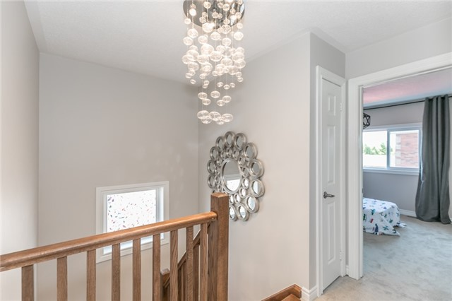 Link at 37 Victorway Dr, Barrie, Ontario. Image 7