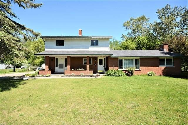 Detached at 5492 County Road 90 Rd, Springwater, Ontario. Image 1