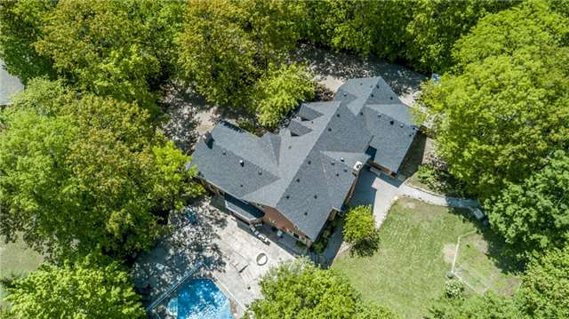 Detached at 16 Edgecombe Terr, Springwater, Ontario. Image 12