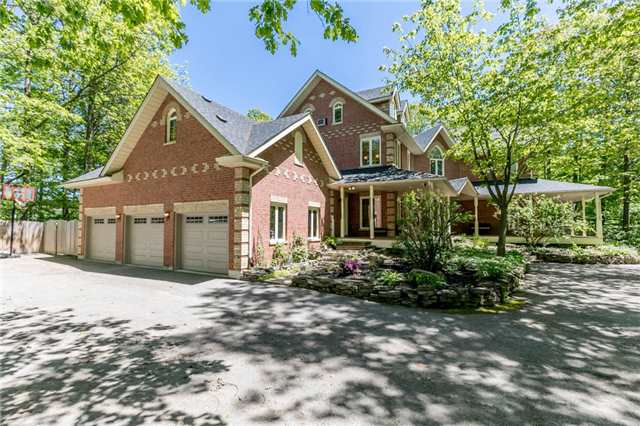 Detached at 16 Edgecombe Terr, Springwater, Ontario. Image 15
