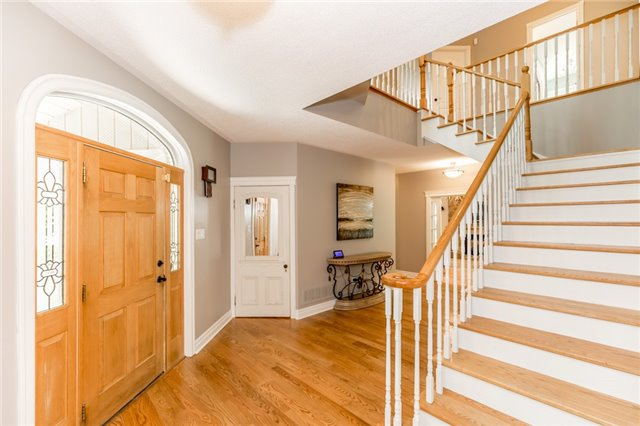 Detached at 16 Edgecombe Terr, Springwater, Ontario. Image 16