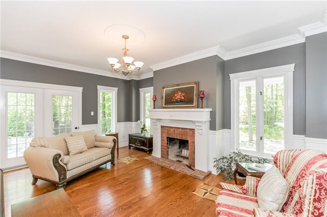 Detached at 16 Edgecombe Terr, Springwater, Ontario. Image 17
