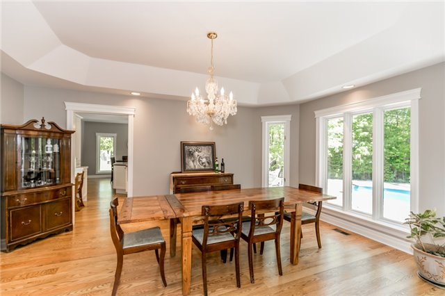 Detached at 16 Edgecombe Terr, Springwater, Ontario. Image 18