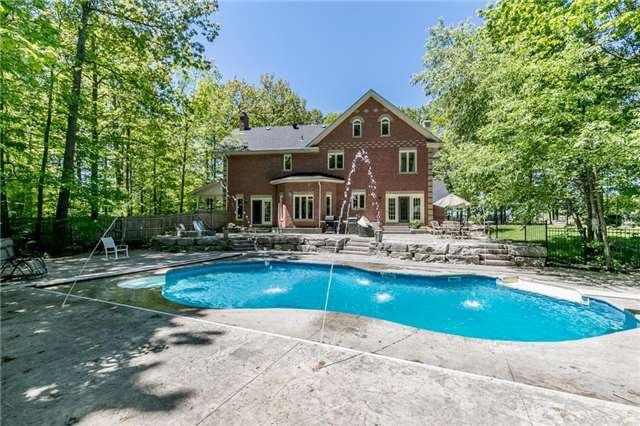 Detached at 16 Edgecombe Terr, Springwater, Ontario. Image 13