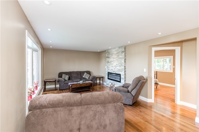 Detached at 3535 Pinegrove Rd, Springwater, Ontario. Image 10