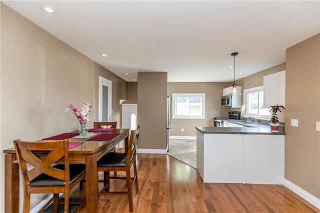 Detached at 3535 Pinegrove Rd, Springwater, Ontario. Image 12
