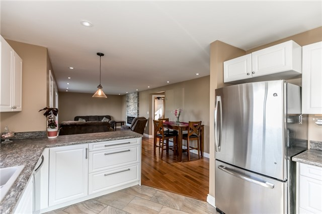 Detached at 3535 Pinegrove Rd, Springwater, Ontario. Image 13