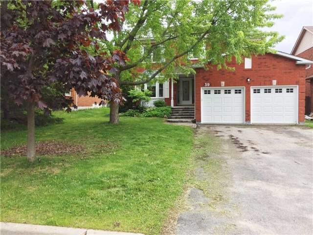 Detached at 39 River Ridge Rd, Barrie, Ontario. Image 1