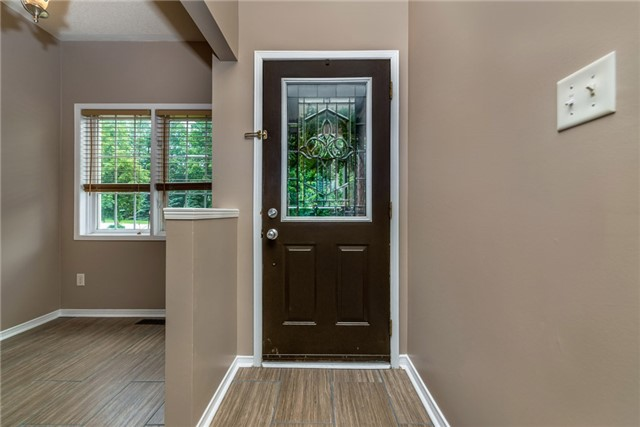 Townhouse at 98 Bruce Cres, Barrie, Ontario. Image 15