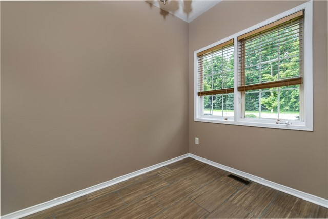 Townhouse at 98 Bruce Cres, Barrie, Ontario. Image 16