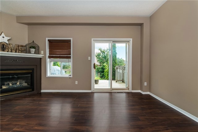 Townhouse at 98 Bruce Cres, Barrie, Ontario. Image 2