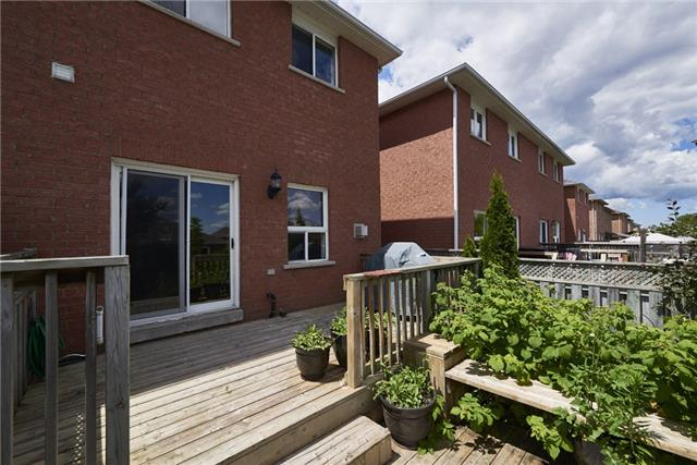 Townhouse at 98 Bruce Cres, Barrie, Ontario. Image 3