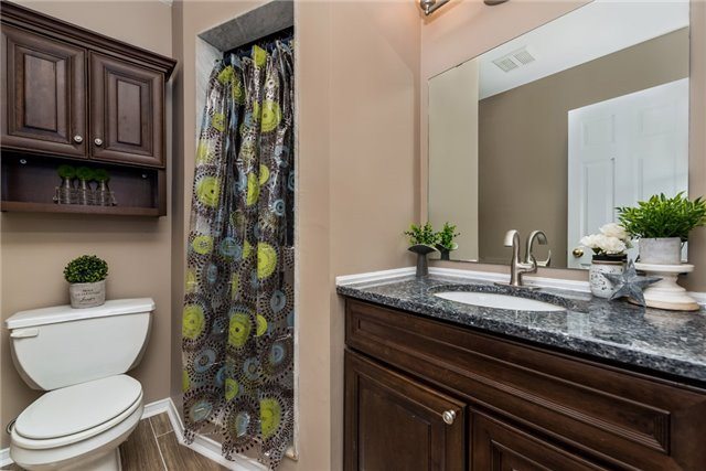 Townhouse at 98 Bruce Cres, Barrie, Ontario. Image 7
