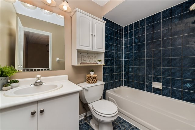Townhouse at 98 Bruce Cres, Barrie, Ontario. Image 10