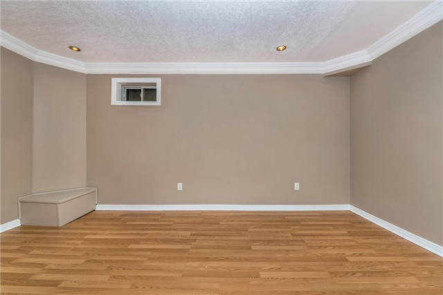 Townhouse at 98 Bruce Cres, Barrie, Ontario. Image 11
