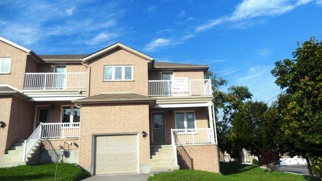 Townhouse at 16 Owen St, Penetanguishene, Ontario. Image 1