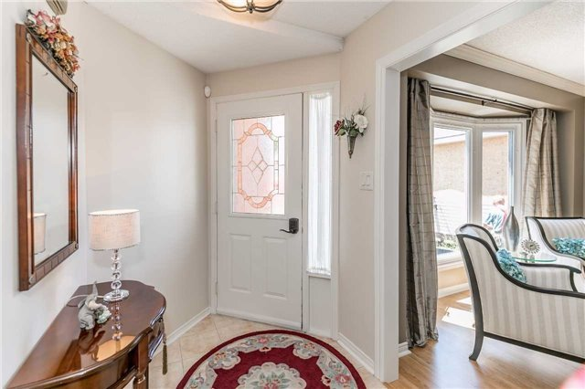 Detached at 45 Shakespeare Cres, Barrie, Ontario. Image 12