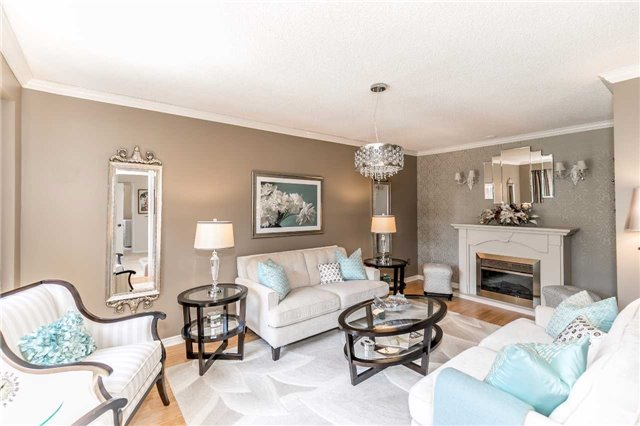 Detached at 45 Shakespeare Cres, Barrie, Ontario. Image 14