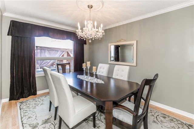 Detached at 45 Shakespeare Cres, Barrie, Ontario. Image 17