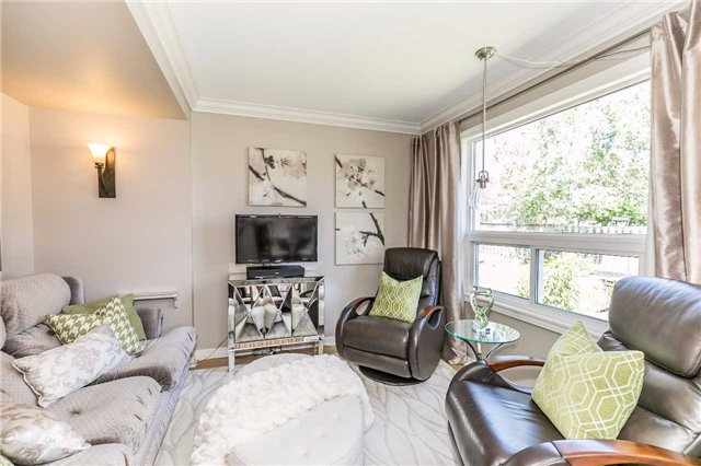 Detached at 45 Shakespeare Cres, Barrie, Ontario. Image 18