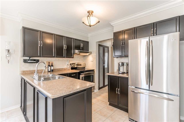 Detached at 45 Shakespeare Cres, Barrie, Ontario. Image 20