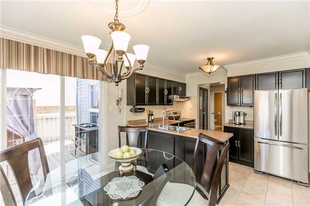 Detached at 45 Shakespeare Cres, Barrie, Ontario. Image 3